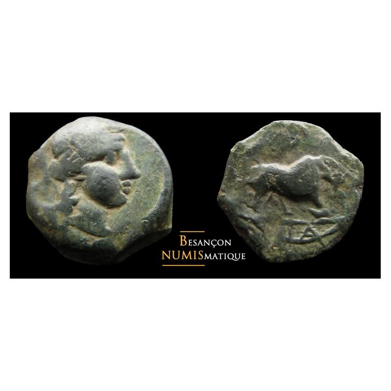 MARSEILLE Bronze au taureau